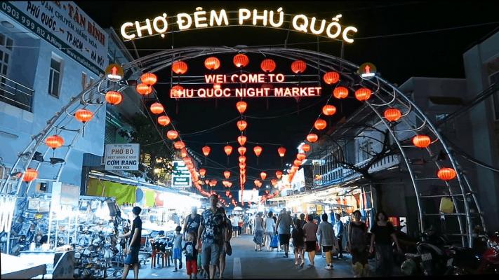 Chợ đêm Phú Quốc – Địa điểm vui chơi về đêm ở Phú Quốc